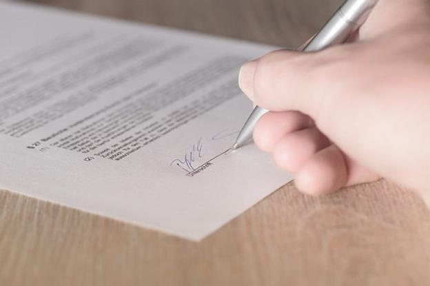 كتابة عقد واتفاق الشراكة