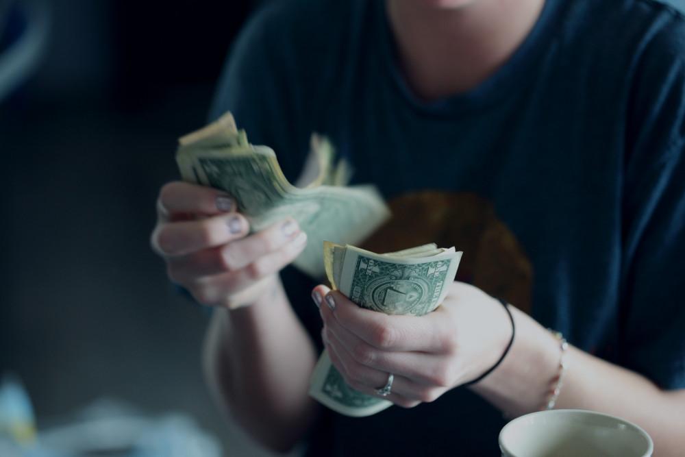 الربح من اليوتيوب أموال