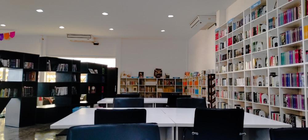 العودة للمدارس مكتبة مدرسية