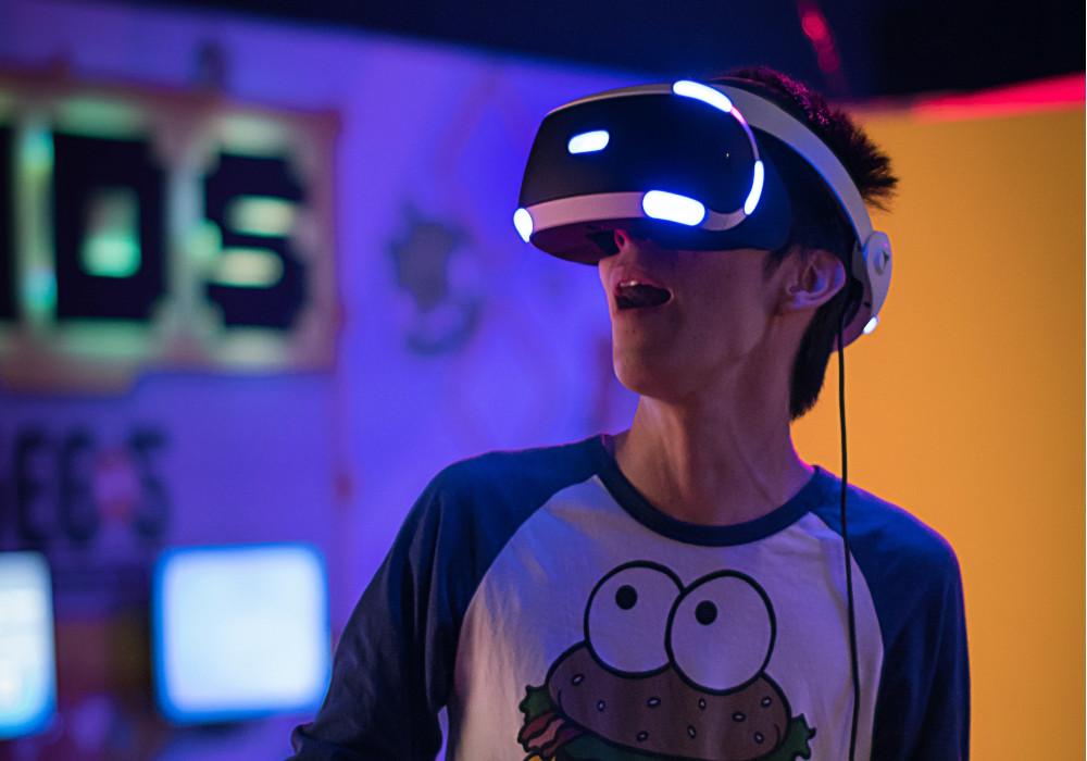 تكنولوجيا الواقع الافتراضي