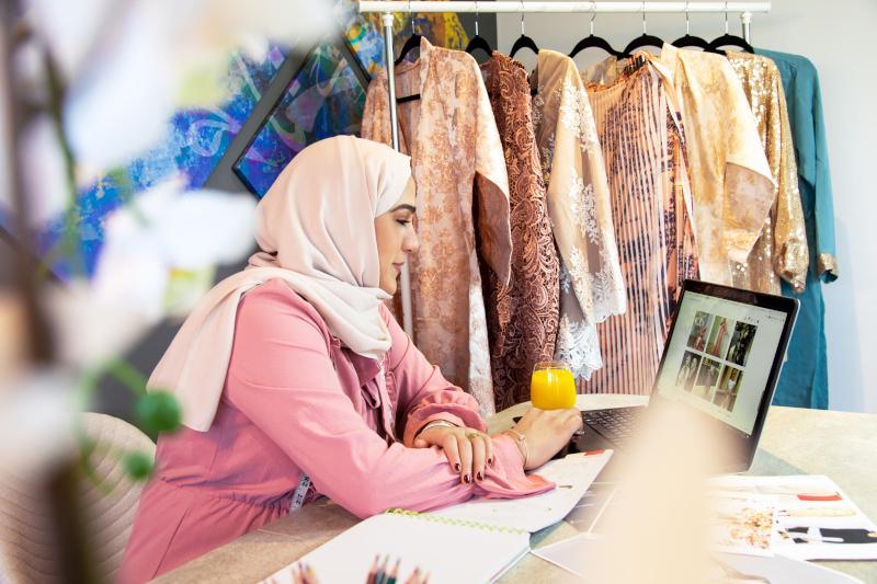 مواقع عربية سوزان السعدي مصممة