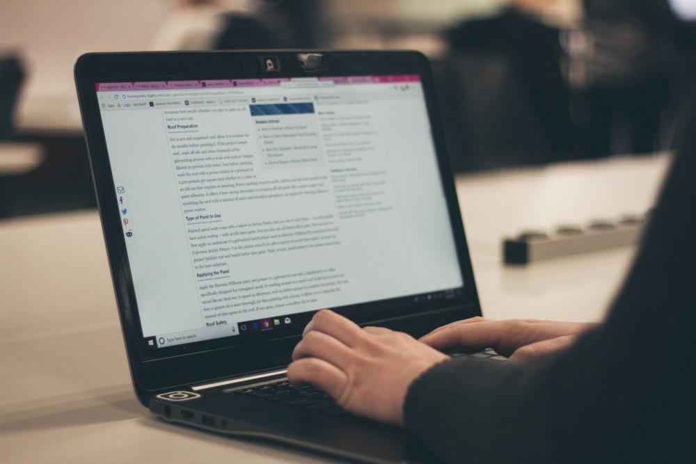مدون يكتب المدونات التقنية